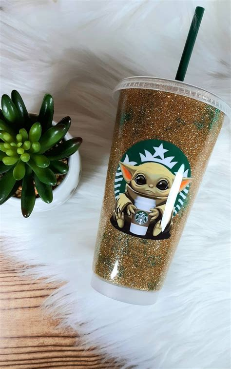 Baby Yoda Starbucks Reusable Cup | Apartment Therapy