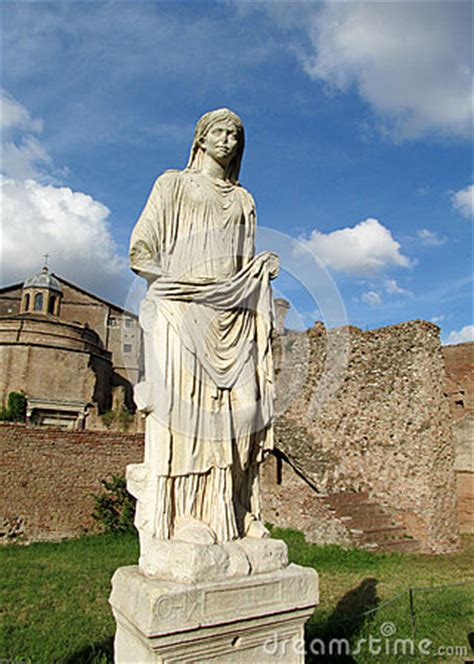 Statues In Roman Forum Ruins In Rome Stock Photo - Image