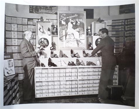 small earth vintage: shoe store, 1950