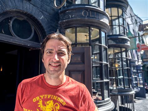 A Gryffindor's Guide to The Wizarding World of Harry Potter